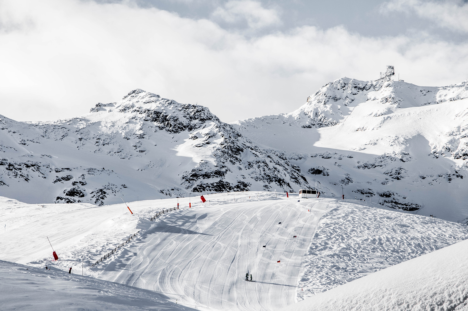 """""""Les 3 Vallées"""" opening : The world's largest"""